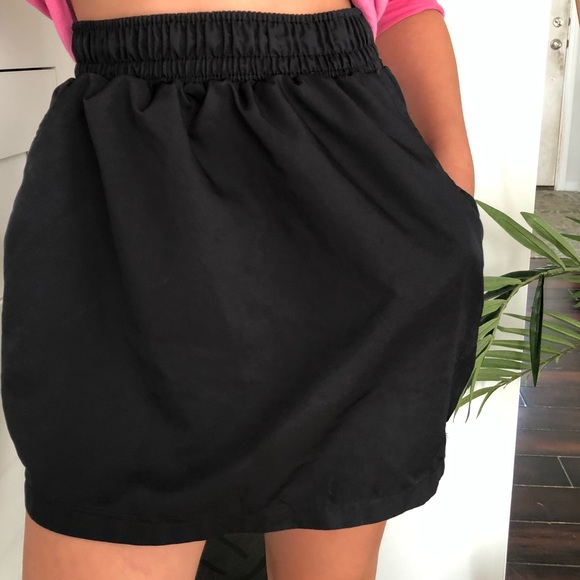 American Apparel Dresses & Skirts - American apparel black skirt with pockets